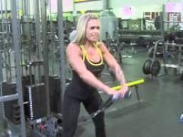 Larissa Reis e seu treino de ombro !